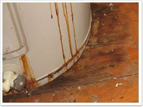 Water-Heater-Leaks