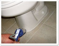 re-caulking-toilet